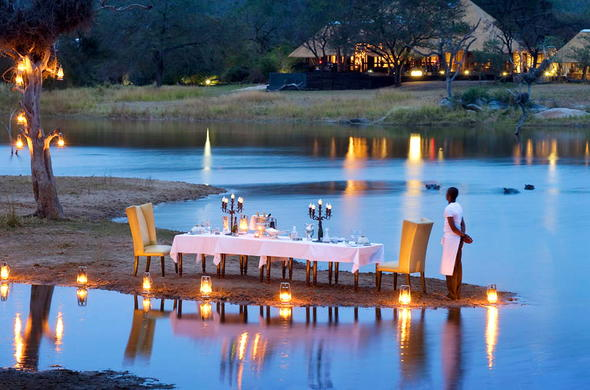Romantic setting for a private dinner in the Sabi Sand Game Reserve.