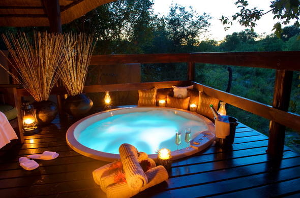 Sabi Sabi Little Bush Camp offers romantic safari honeymoons.